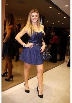 Mirella Santos também é adepta do cinto fino  http://vilamulher.terra.com.br/moda-abuse-dos-cintos-finos-14-1-32-744.html Foto: arquivo MBPress