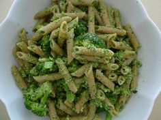 Penne with broccoli and Pumpkin Seed Parsley Pesto - Healthy and Vegetarian
