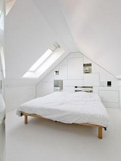 attic bedroom. So clean.