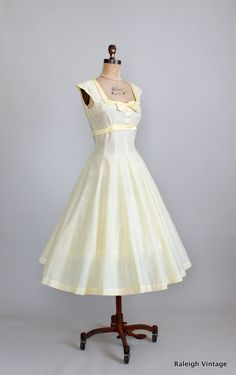 Vintage 1950s Yellow Garden Party Sundress.