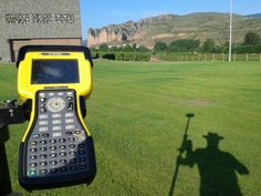Topografia y sombras. Walkie Talkie, Landline Phone, Shades
