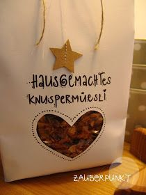 joli cadeau avec un super emballage - Art Design Diy Christmas Presents, Xmas Presents, Christmas Time, Christmas Crafts, Navidad Diy, Jar Gifts, Inspirational Gifts, Christmas Inspiration, Little Gifts