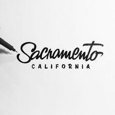 Je sais que vous aimez beaucoup le hand lettering, l'art de faire de la typographie à la main, avec…
