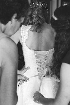 Préparatifs. Robe de Mariée
