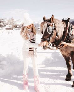 Girly Outfits, Cute Outfits, Ski Outfits, Brown Fashion, Pink Fashion, Winter Fashion Outfits, Autumn Winter Fashion, Winter Princess, Snow Outfit