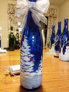 Christmas tree bottle crafts christmas Awesome Home Decor Ideas on a Budget – Repurposed DIY Wine Bottle Crafts Wine Bottle Corks, Glass Bottle Crafts, Diy Bottle, Painted Wine Bottles, Lighted Wine Bottles, Glass Bottles, Decorate Wine Bottles, Wine Glass, Christmas Wine Bottles
