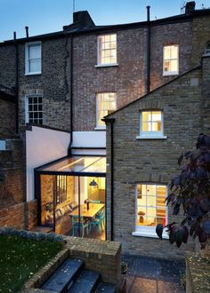 HÛT adds jewel-like glass extension to east London house x - Cool Houses Pictures And Dream Home Unique Designs, Big, Medium Size And Small House Design Ideas House Extension Design, Glass Extension, House Design, Extension Ideas, Cottage Extension, Side Extension, Terraced House, London House, Marquise