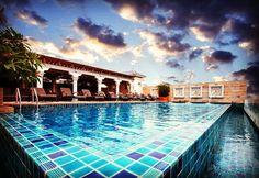 Relax with a good day website www.chillaxesort.com #chillaxresort #award #swimmingpool #khaosanroad #romantichotel #rooftoppool ##relax