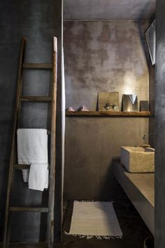 This modern dream holiday home in Puglia blends perfectly into the landscape with it's stone walls and use of old recycled materials. Baños Shabby Chic, Mini Bad, Home Interior, Interior Design, Warehouse Living, Sauna Design, Architecture Design, Wood Bathroom, Bathroom Ideas