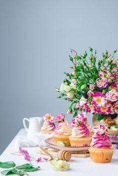 Blackberry White Cupcakes – { 6 cupcakes} 100 g Cake flour 90 g White sugar 1 tsp Baking powder 1/4 tsp Salt 60 g Whole milk 2 Large Egg Whites 1/2 tsp Vanilla Extract 60 g Unsalted butter…