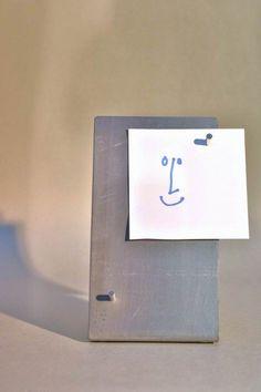 Eine wirklich sehr kleine Pinnwand für den Schreibtisch