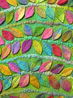 Idea: independent applique of cotton leaves. Would be a great fiddle quilt. Felt Embroidery, Felt Applique, Applique Quilts, Sewing Crafts, Sewing Projects, Funny Cross Stitch Patterns, Felt Pillow, Creative Textiles, Felt Leaves
