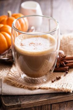 This skinny Slow Cooker Pumpkin Spice Latte is an easy, healthy, delicious and low-fat way to indulge your fall-flavored coffee craving for just 90 calories and 4 WW Freestyle SmartPoints! Pumpkin Spiced Latte Recipe, Pumpkin Spice Latte, Pumpkin Recipes, Fall Recipes, Thanksgiving Recipes, Ww Recipes, Skinny Recipes, Holiday Recipes, Slow Cooker