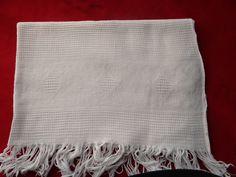 Textiles, Napkins, Towel, Blanket, Vintage Gifts, Vintage Christmas, Gift Ideas, Towels, Dinner Napkins