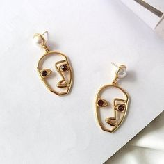2017 New Custom Exaggerate Ear Accessories For Women Alloy Face Simulated Pearl Funny Pendientes Mujer Moda Drop Earrings