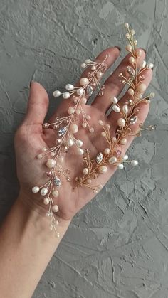 Bridal gold and silver hair piece with freshwater pearl, pale peach and beige beads and cubic zirconia crystals, Wedding gold headpiece Handmade Wire Jewelry, Beaded Jewelry, Wedding Hair Accessories, Girls Accessories, Gold Headpiece, Wedding Gold, Hair Decorations, Hair Beads, Embroidery Jewelry