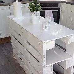 Pallet kitchen island; you could put a different top on the island to make it sturdier...