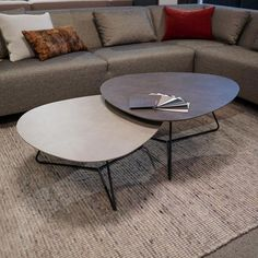 Twinny: modern coffee tables for the contemporary living room. Twinny can also be delivered as sofa tables, end table or small desk table. Decorating Coffee Tables, Coffee Table Design, Round Coffee Table, Modern Coffee Tables, Contemporary Home Furniture, Living Room Designs, Interior Design, Home Decor, Tea Tables