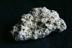 Pomicino: l'uso della pietra pomice naturale per le piante (vs. perlite/leca/lapillo)