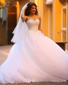 Amazing Sweetheart Crystal Bodice A Line Ball Gown Wedding Dresses Vestido De Novia 2016 Strapless Neckj Tiered Tulle Beaded Lace Ball Gown Wedding Dresses 2016 Strapless Dress Floor Length Bridal Gowns Online with $233.9/Piece on Yahuifang2016's Store   DHgate.com