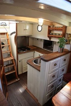 1929 Classic Danish Gaff Ketch Segelboot zu verkaufen - www.de, Best Picture For Boats accessories For Your Taste You are looking for something, and Canal Boat Interior, Sailboat Interior, Sailboat Living, Living On A Boat, Liveaboard Boats, Liveaboard Sailboat, Narrowboat Interiors, House Boat Interiors, Interior Design Kitchen