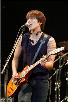CNBLUE's 1st Arena Tour in Japan attracts over 100,000 fans: Yongwa