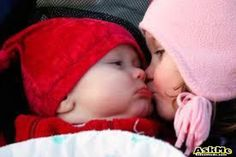 Baby Wallpaper Pictures Of Cute Babies Best Collection So Cute Baby, Baby Love, Cute Babies, Funny Babies, Cute Sister Quotes, Funny Sister, Kids Kiss, Cute Kiss, Kiss Funny