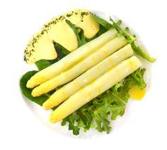 Espárragos con Vinubesa, nuestra mayonesa con Vinubo. Platos vegetarianos con Vinesenti en Restaurante La Espadaña. www.restauranteespadana.es