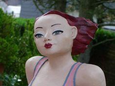 Gartenfigur mollige Frau in Pink! | Keramik Kunst Blog