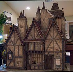 Leaky Cauldron : Miniature Oil Paintings, IGMA Fellow Susan Robbins Dollhouse Dolls, Dollhouse Miniatures, Dollhouse Ideas, Miniature Houses, Miniature Dolls, Fairy Houses, Doll Houses, Harry Potter Miniatures, Mini Doll House