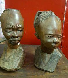 Esculturas africanas em madeira