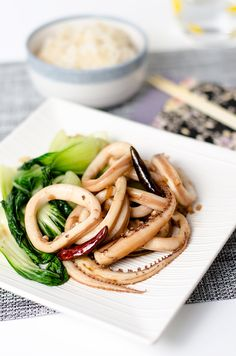 Chinese style squid stir-fry is a delicious and healthy way to eat squid. The recipe comes with a video to show you the whole cooking process. Fish Recipes, Seafood Recipes, Asian Recipes, Cooking Recipes, Healthy Recipes, Ethnic Recipes, Asian Foods, Chinese Recipes, Squid Recipes