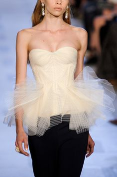 Zac Posen Spring 2013 - I WOULD LOVE TO HAVE THIS TOP!