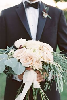 Romantic + rustic rose wedding bouquet: http://www.stylemepretty.com/little-black-book-blog/2016/01/15/rustic-orangic-farm-wedding-inspiration/ | Photography: Julie Paisley - http://juliepaisley.com/: