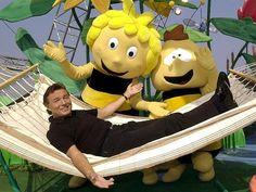 """Biene Maja""ZDF-""Kult-Biene"" wird 40   Karel Gott wurde von dem Erfolg des Songs überrascht. Gott Karel, Dieter Thomas Heck, Rest In Peace, Kult, Pikachu, Children, Fictional Characters, Charlotte, Songs"