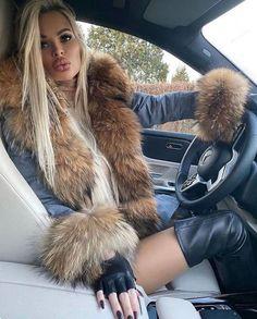 Fur Fashion, Look Fashion, Winter Fashion, Womens Fashion, Sexy Outfits, Winter Outfits, Cute Outfits, Fashion Outfits, Fashion Ideas