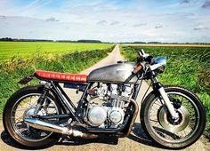 """The beautyfull dutch flatlands  #caferacersofinstagram #bratbike #caferacer #buildnotbought #bratbike #motorcycle #bike #nature #beautyful #holland…"""