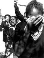 Marching girls in shock after police opened fire on their peaceful protest, 1976 - Photography History Online, World History, Protest Posters, Peaceful Protest, Open Fires, Lest We Forget, African History, Black Love, Black History