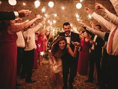 Ayer se casaron esta increíble pareja en Sanlúcar de Barrameda Cádiz. Una boda inspirada en El Gran Gatsby donde no faltaba el más mínimo detalle. Cuando se junta una boda tan bonita con  una gente tan especial no puedo más que seguir agradeciendo al Karma -esa energía invisible e inmensurable que se deriva de los actos de todos nosotros- que hiciera que nuestros caminos se cruzaran.  #biancamiguelboda  Vestido: @airebarcelona Traje: @hugoboss Alianzas: @phoebejewellery