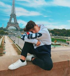 (notitle) - Leonie - Back Photo Poses For Boy, Boy Poses, Male Models Poses, Male Poses, Photography Poses For Men, Tumblr Photography, Travel Pose, Mens Photoshoot Poses, Cute Teenage Boys