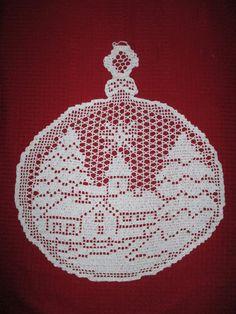 Best 12 zawieszki do okna – SkillOfKing.Com - Her Crochet Crochet Thread Patterns, Christmas Crochet Patterns, Crochet Snowflakes, Crochet Doily Diagram, Filet Crochet Charts, Crochet Animal Hats, Christmas Crafts, Christmas Ornaments, Crochet Dolls