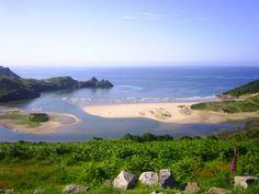 Welcome to the Three Cliffs Bay Holiday Park website. One of the major appeals of the park is the spectacular position with the panoramic views of Three Cliffs Bay.Named as the Number one view from a campsite in the World by The Independant in 2006 Camping Places, Camping Glamping, Camping World, Outdoor Camping, Camping Site, Camping Ideas, Uk Campsites, Costa, Gower Peninsula