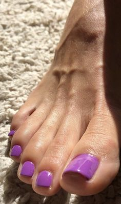 You can just tell this delightful foot belongs to a cougar Pretty Toe Nails, Pretty Toes, Women's Feet, Feet Soles, Painted Toe Nails, Nice Toes, Manicure, Pedicure Nails, Pedicures
