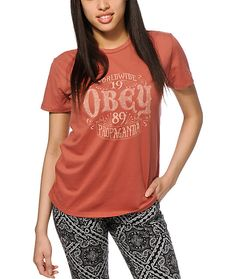 Get premium comfort and style with this ultra soft-feel crew neck tee that features a relaxed fit and a faded Obey graphic at the front.