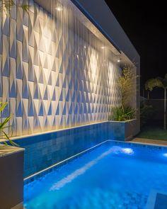 Luxury Swimming Pools, Swimming Pools Backyard, Swimming Pool Designs, Pool Landscaping, Piscina Diy, Piscina Rectangular, Piscina Interior, Pool Landscape Design, Small Pool Design