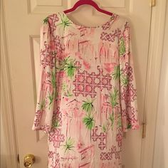 Lilly Pulitzer very rare Dress Beautiful older Lilly Pulitzer silk dress. Beaded ends on tie in back. Lilly Pulitzer Dresses Midi