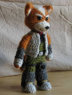 starfox amigurumi    If I had the patience I would make one for my little brother