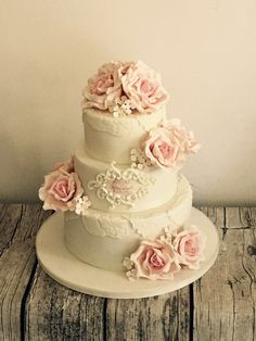 Wedding beautiful roses cake