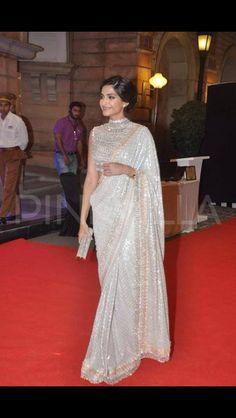 Sonam Kapoor Saree draping and blouse design