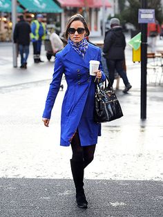 This coat, scarf, bag combination is killing me. Not to mention the tights. Fabulous.